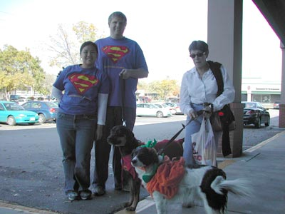 Bob, Jen, Carolyn, Kuma and MacDuff at Petco Costume Contest